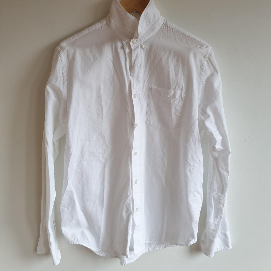 Vit skjorta från Peak Performance Bra skick. Skjortor.