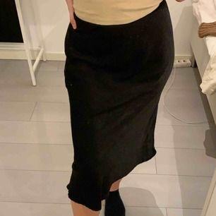 Silkes kjol, fint skick💓 Frakt ingår ej i priset 📦