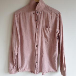Snygg rosa skjorta från Peak Performance Bra skick