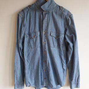 Jeansskjorta från Tommy Hilfiger Bra skick