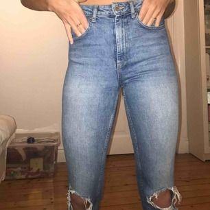 Snygga jeans från Gina tricot i fint skick.