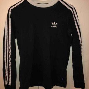 Adidas tröja köpt från zalando 300kr, frakt 60kr
