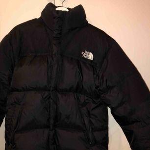 Välanvänd north face jacka jag köpt här på plick men den var för stor så säljer den vidare:)