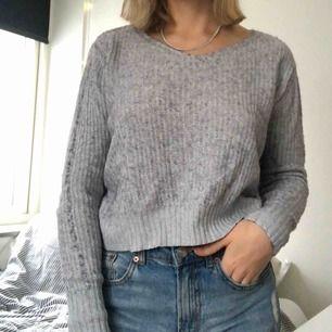 Säljer en av mina varmaste tröjor. Jätte mysig och skön, använt fåtal gånger! Fint skick 😋