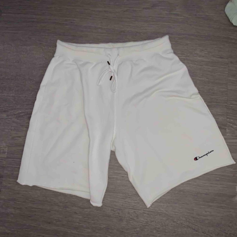 Vita Champion Shorts. Shorts.