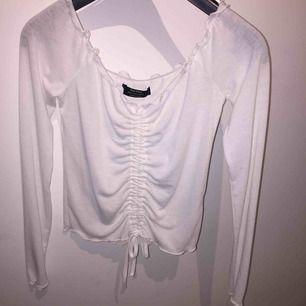 Snygg vit tröja Betalningssätt: Swish