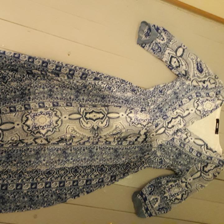 Blå fin klänning bra skick. Frakt tillkommer. . Klänningar.