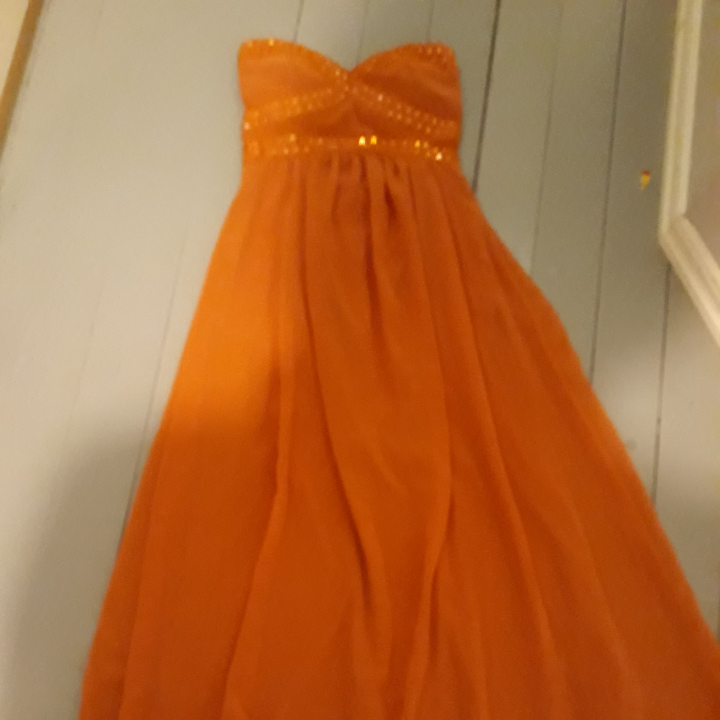 Jätte fin långklänning. Frakt tillkommer.. Klänningar.