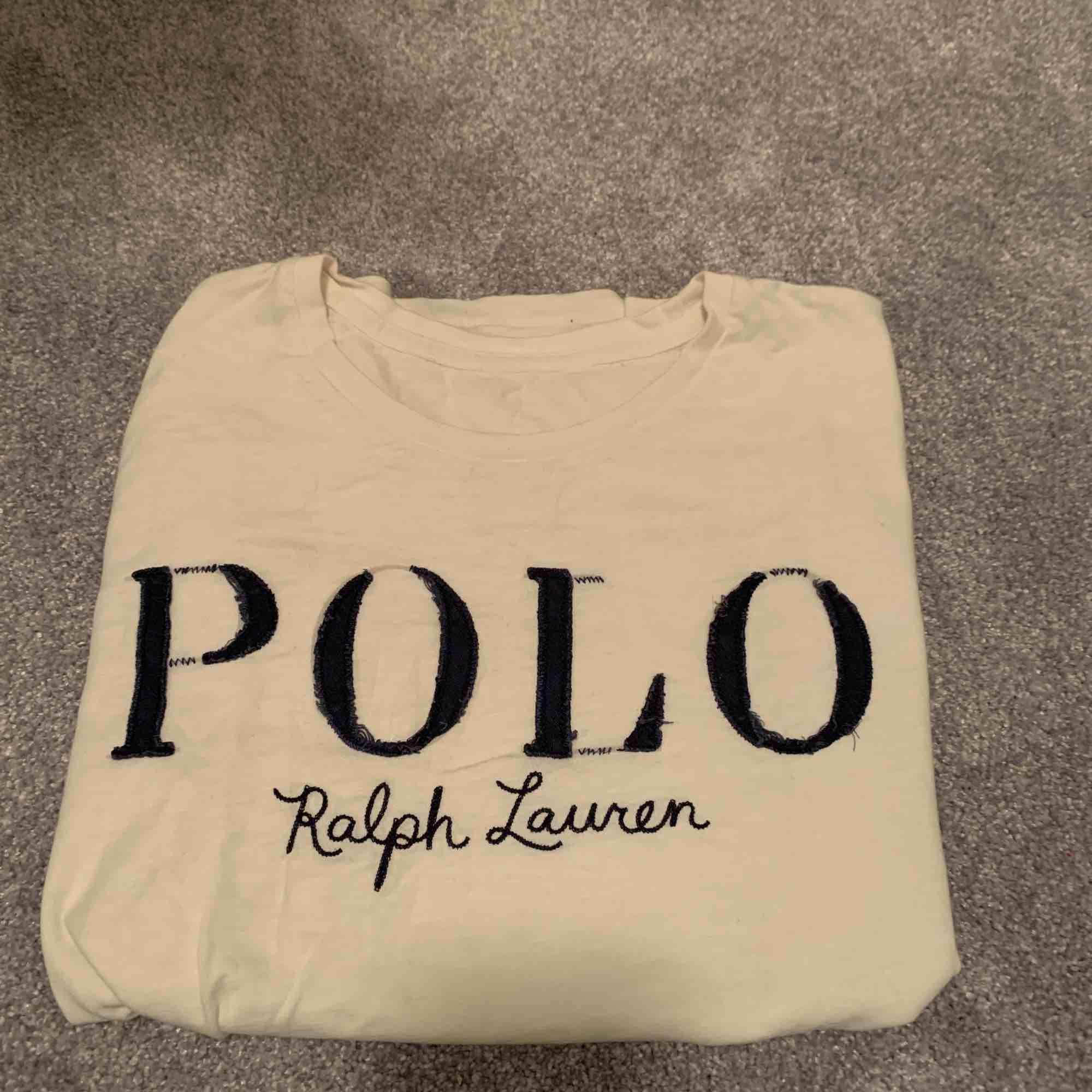 Polo Ralph lauren t-shirt i storlek S (passar XS och M) . T-shirts.