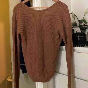 Säljer denna super fina tröja ifrån NAKD!! 🥰 använd 2-3 gånger endast, fint skick 🥰