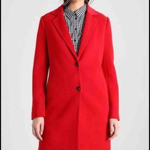 Röd kappa från Only Skitsnygg, skriv för fler bilder:)