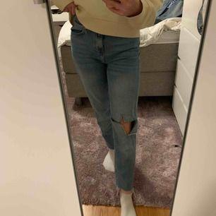 Fina jeans från never denim. Jag är 162,5 lång