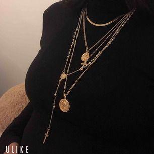 Halsbandet i guldfärg som ni ser på bilden, 149SEK  Finns 3st i lager nu, tar swish  Frakten 15kr