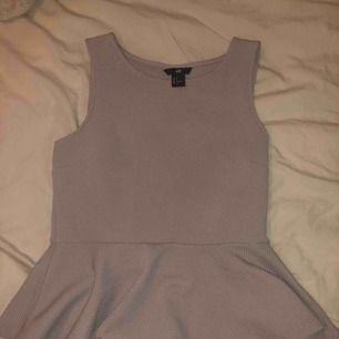 Lilac puplum tröja från H&M ! Pris kan diskuteras