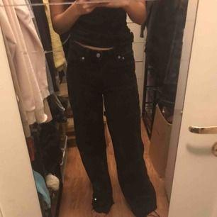 Wide jeans från dr.denim, som tyvärr är för stora på mig nypris:700kr Kan mötas upp eller frakta 💗