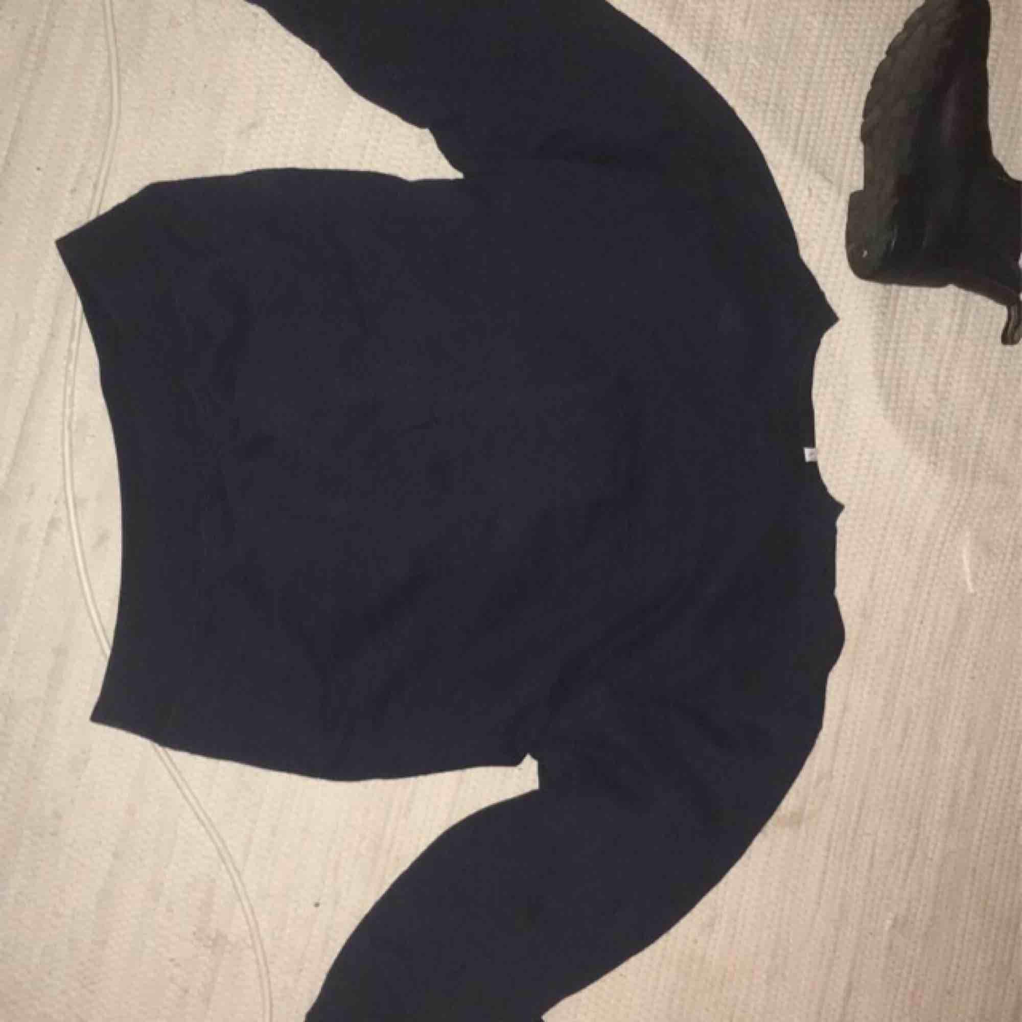 en svinsnygg vintage sweatshirt från Levis, använt den bara en gång. Inköpt för kanske två, tre veckor sedan! 100% bomull såklart ;). Tröjor & Koftor.
