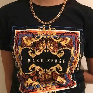 Jättefin t-shirt från Gina Tricot!!! Passar bra till allt! Omvänd fåtal gånger💕💕🥰🥰😚