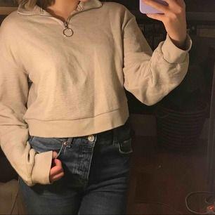 Snygg och skön tröja från HM, använder inte tillräckligt mycket