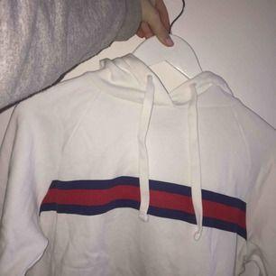 Säljer denna gina tricot hoodie! asbra skick✌🏼 kontakta för frågor