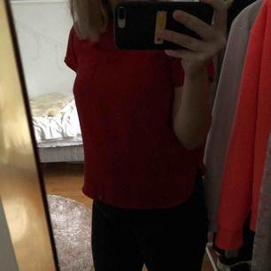 Super fin tröja från Cubus, fin färg för julen använd men i bra skick