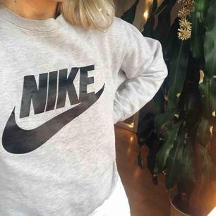 Tröja från Nike, SÅ skön och i bra skick!