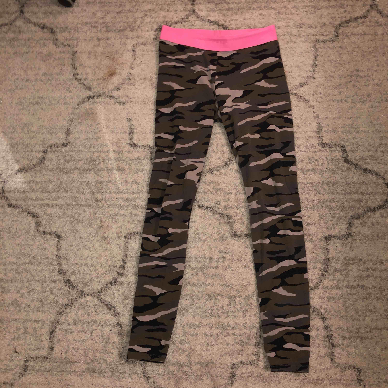 Tights från Gina. Superskönt. Jeans & Byxor.