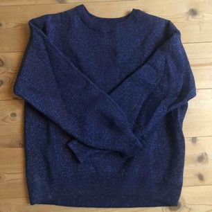 Glittrig tröja från Zara! Aldrig använd, så fin men kommer inte till användning 🌿🌿