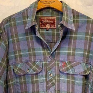 Vintage fjällräven skjorta, storlek L, kan hämtas i Uppsala eller skickas mot fraktkostnad.