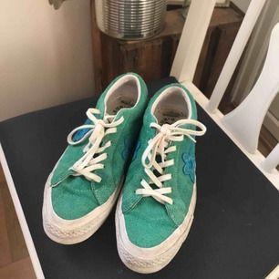 Säljer pga för stora. Använda några gånger. Grön/blå, storlek 40. Köparen betalar frakt men kan mötas upp i Stockholm.