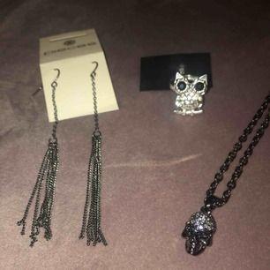 Smycken, oanvända, säljer pga använder ej! 20kr/var, alla för 50kr. Skickar gärna fler bilder✨