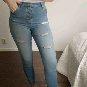 Snygga boyfriend-jeans från Crocker. Använda fåtal gånger✨