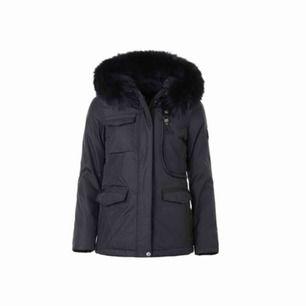 Säljer min livigno jacka, bra skick (använt en vinter).