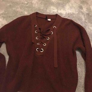 Jättefin tröja från hm, strl s Aldrig använd Nypris: 149 kr Mitt pris: 90 kr ink frakt