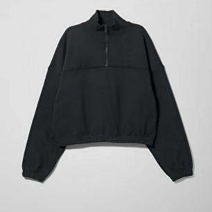 En oanvänd sweatshirt. Frakten ingår i priset