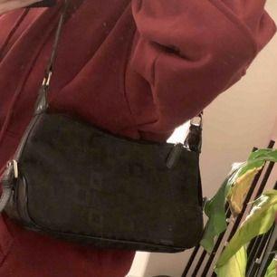 Jättefin väska köpt second hand som inte kommer till användning. Frakt tillkommer