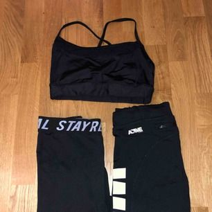 Tränings kläder, alla är i storlek S, har slutat träna så vill bli av med dom :) skriv om ni har frågor :)