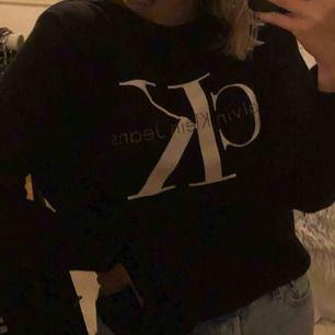 Calvin Klein jeans sweatshirt 🦋 köparen står för frakt
