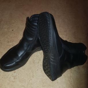 Ecco skor, frakt PostNord 125kr