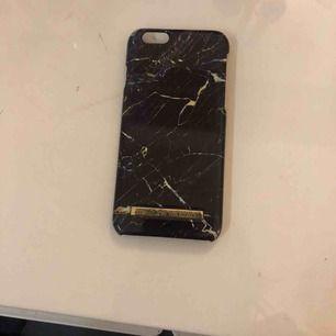 Marmor skal för iPhone 6 från ideal of Sweden! Oanvänt och i super bra skick! Köparen står även för 25kr extra frakt🥰