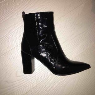 Helt nya skor från nakd storlek 36