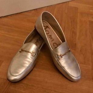 Silver skor i skinn
