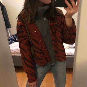 En tunnare oversized jacka från Zara, köpt i våras. Superfin men används tyvärr inte längre