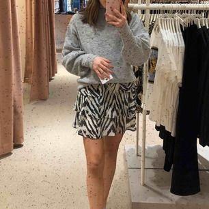 Klänning från Gina. Har använt den med en tröja över så att det blir som en kjol. Jättefin men används inte längre