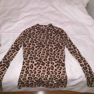 Leopard tröja från Nelly trend, väldigt populär och fin