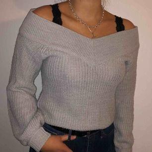 Stickad tröja från Gina Tricot använd ett fåtal gånger (fint skick) 🌟