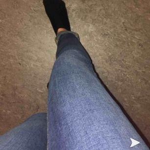 blå jeans från Cubus. sällan använda, storlek xs (sitter mer tajt på S) jag är 163 och dem är för långa för mig (!) priset är ikl. frakt