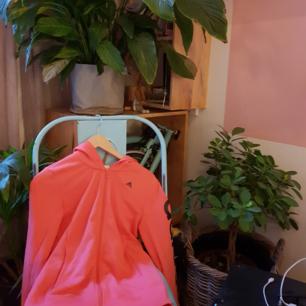 Koral Rosa Adidas goodie i mycket gott skick. Använd 1 gång🌸