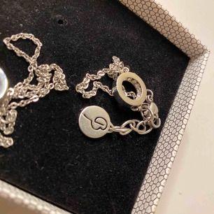 Fint armband med matchande halsband från Edblad! Frakt tillkommer 🎀