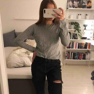 (BEHÖVER STRYKAS) Så fin stickad långärmad tröja från Zara. Barnstorlek 11/12 år passar mig med storlek S.