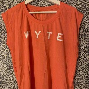 Tränings t-shirt från Wyte, aldrig använd!